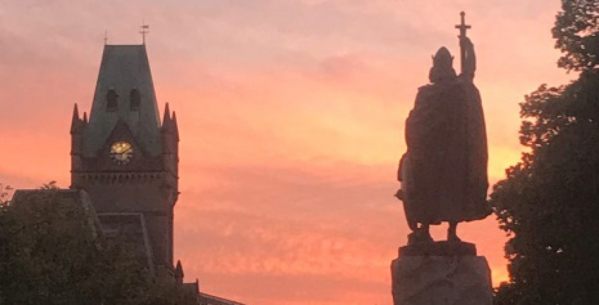 winchester funeral celebrant sunset at king alfred statue